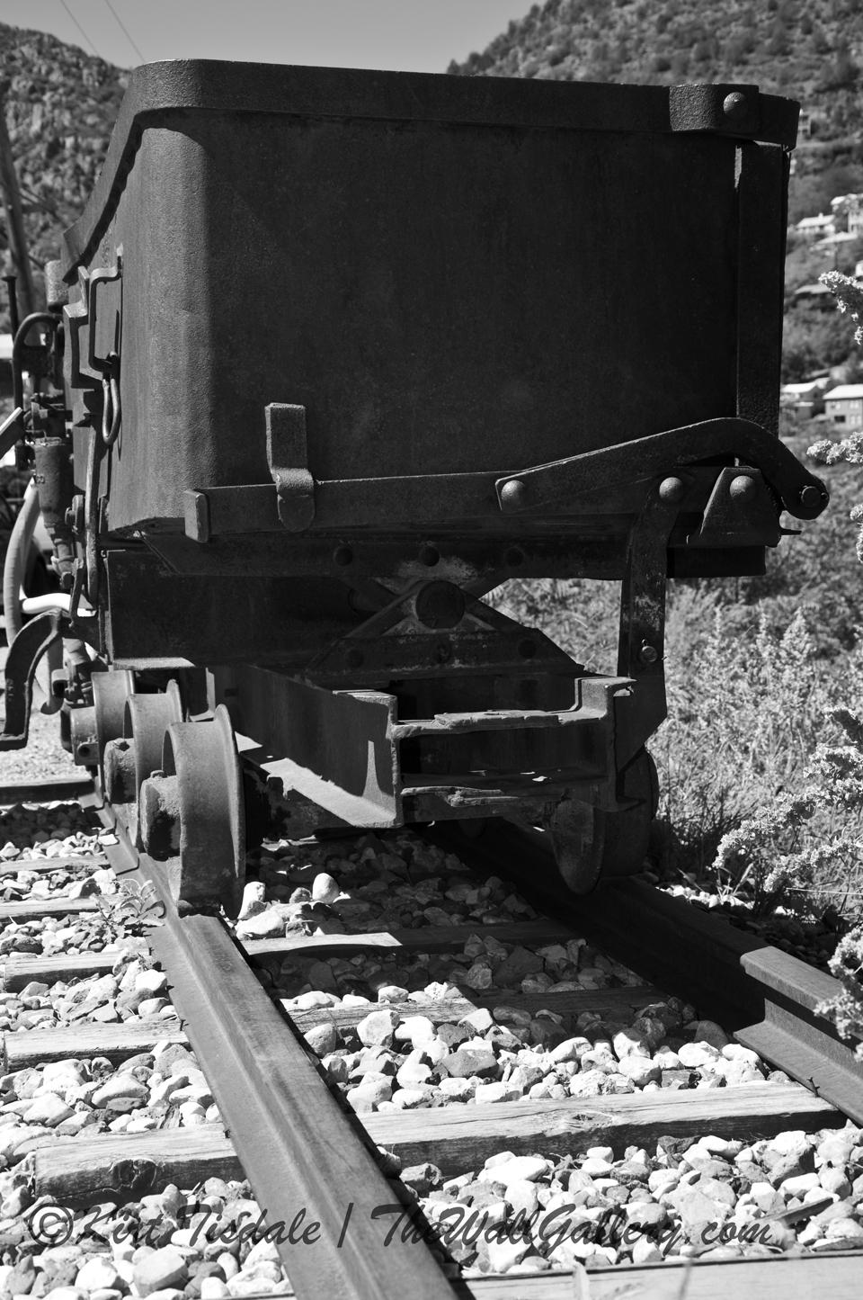 Mining Cart - Black and White